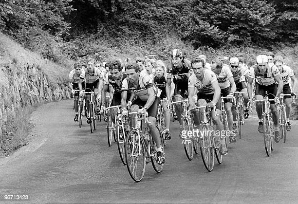 Pack of cyclists climb the mountain pass of Tourmalet on July 16 1985 during the 17th stage of the 72th Tour de France cycling race between Toulouse...