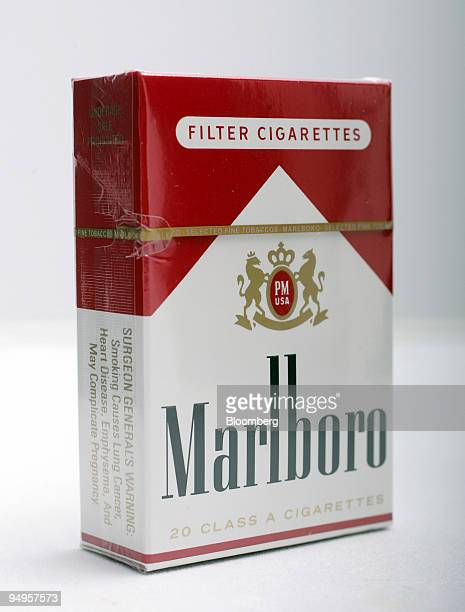 A pack of Marlboro cigarettes are arranged for a photograph in Garner North Carolina US on Monday June 15 2009 Altria Group Inc the maker of Marlboro...
