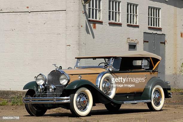 Packard Deluxe Eight. Artist: Unknown.