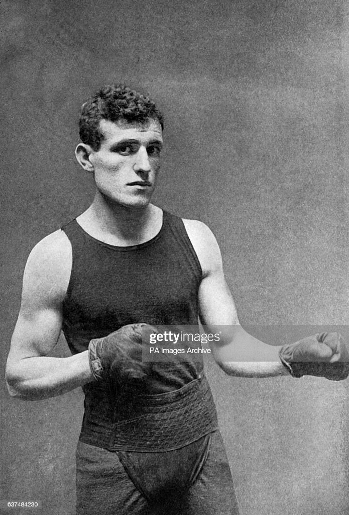 Boxing - Lightweight and Welterweight - Packey McFarland : News Photo