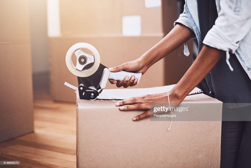 最後の箱の荷造り : ストックフォト