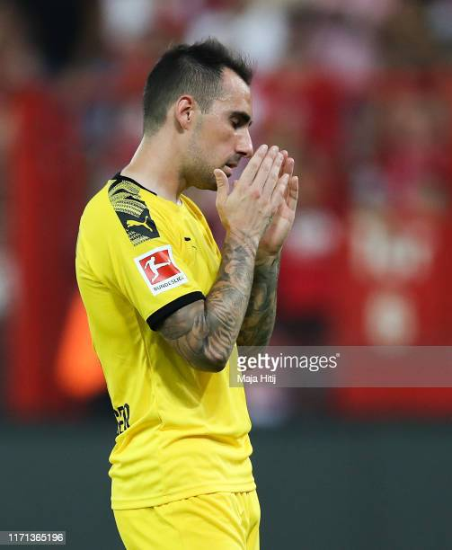 Paco Alcacer of Borussia Dortmund shows his dejection during the Bundesliga match between 1. FC Union Berlin and Borussia Dortmund at Stadion An der...