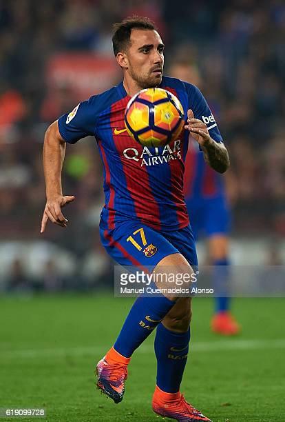 Paco Alcacer of FC Barcelona in action during the La Liga match between FC Barcelona and Granada at Camp Nou stadium on October 29 2016 in Barcelona...