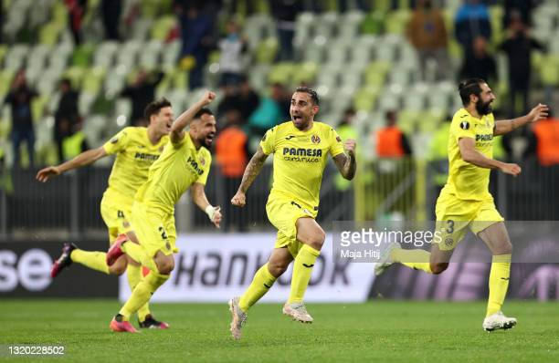 Paco Alcacer of Villarreal and teammates celebrate following their team's victory in the penalty shoot out during the UEFA Europa League Final...