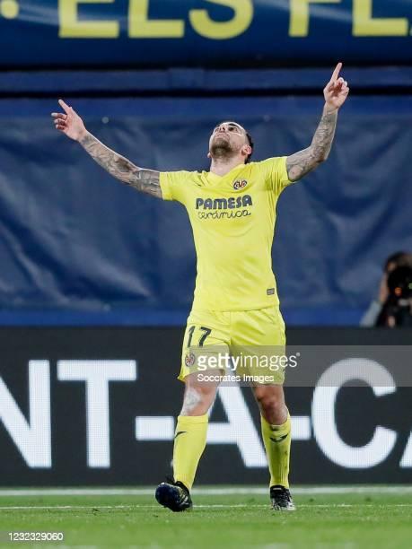 Paco Alcacer of Villarreal Celebrates 1-0 during the UEFA Europa League match between Villarreal v Dinamo Zagreb at the Estadio de la Ceramica on...