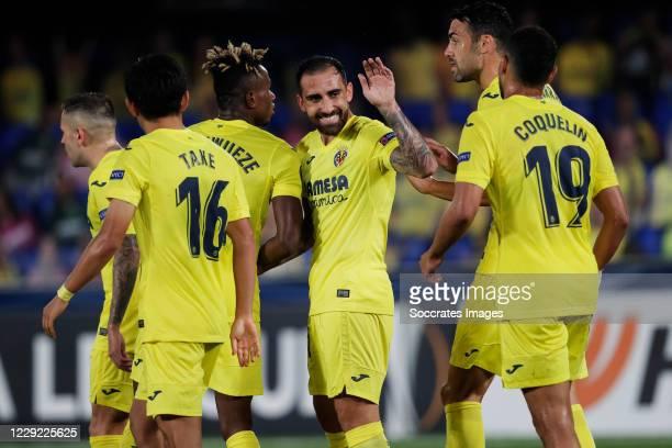 Paco Alcacer of Villarreal celebrates 4-3 with Takefusa Kubo of Villareal, Takefusa Kubo of Villareal, Francis Coquelin of Villarreal, Samu Chukwueze...