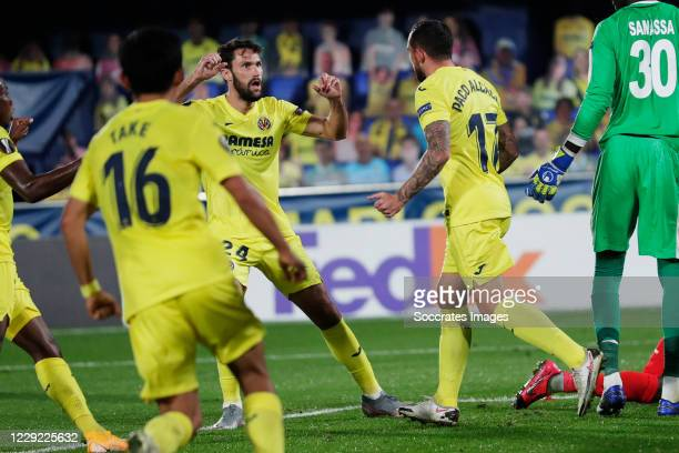 Paco Alcacer of Villarreal celebrates 5-3 with Javi Ontiveros of Villarreal during the UEFA Champions League match between Villarreal v Sivasspor at...