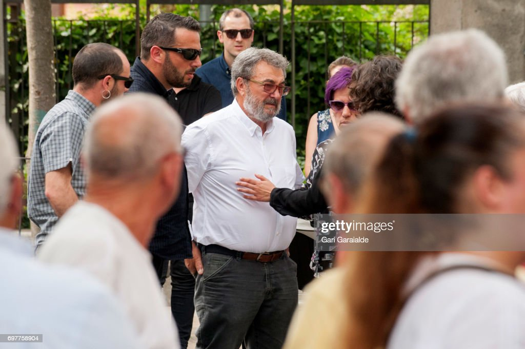 Paco Fandino (C), bullfighter Ivan Fandino's father attends the funeral of his son on June 19, 2017 in Orduna, Spain.