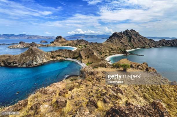 padar island - flores indonesia fotografías e imágenes de stock