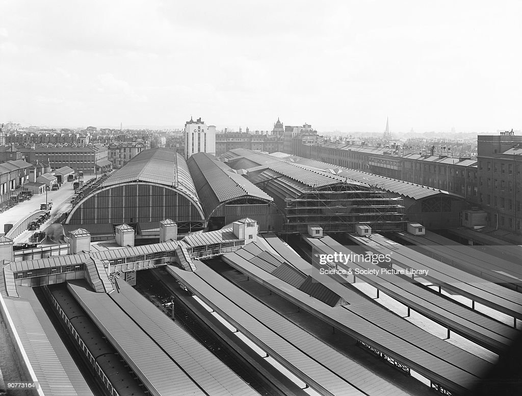 Paddington Station, London, 1934. : News Photo