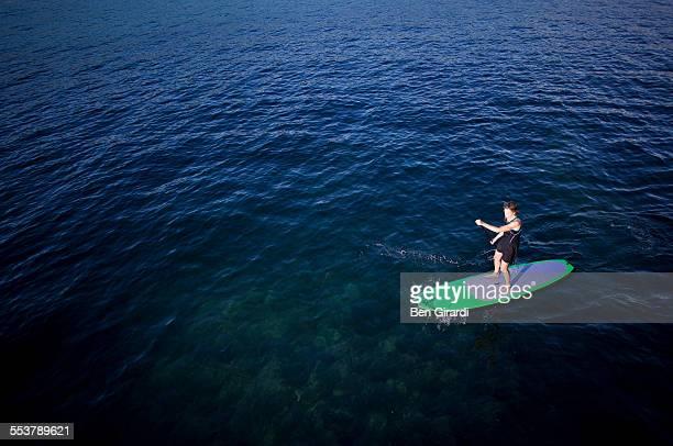 paddle boarder - スカネアトレス湖 ストックフォトと画像