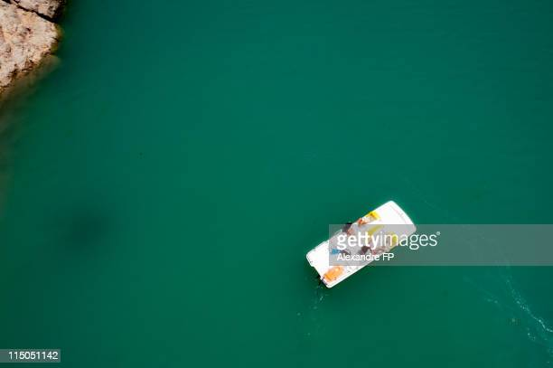 paddle boat   in  verdon gorge - pedal boat stock pictures, royalty-free photos & images