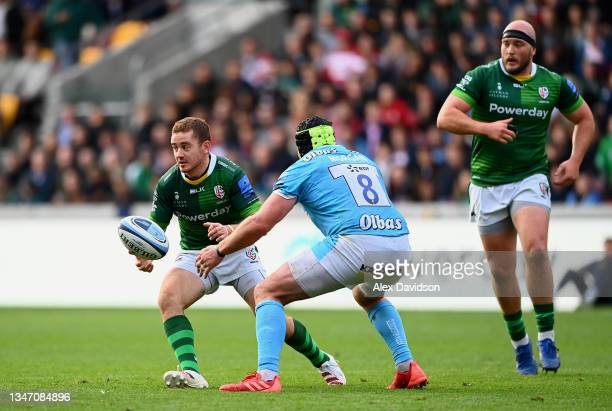 Paddy Jackson of London Irish offloads during the Gallagher Premiership Rugby match between London Irish and Gloucester Rugby at Brentford Community...