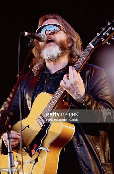 Paddy McAloon of Prefab Sprout Performing