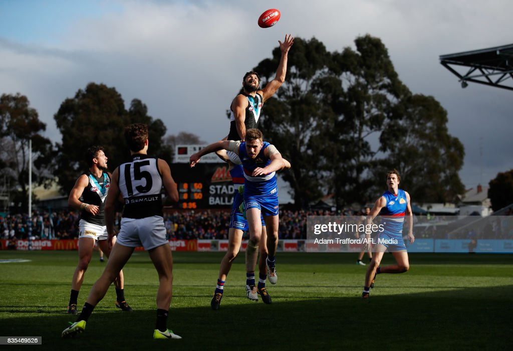 Paddy Ryder of the Power attempts to mark over Jordan Roughead of the Bulldogs during the 2017 AFL round 22 match between the Western Bulldogs and the Port Adelaide Power at Mars Stadium on August 19, 2017 in Ballarat, Australia.