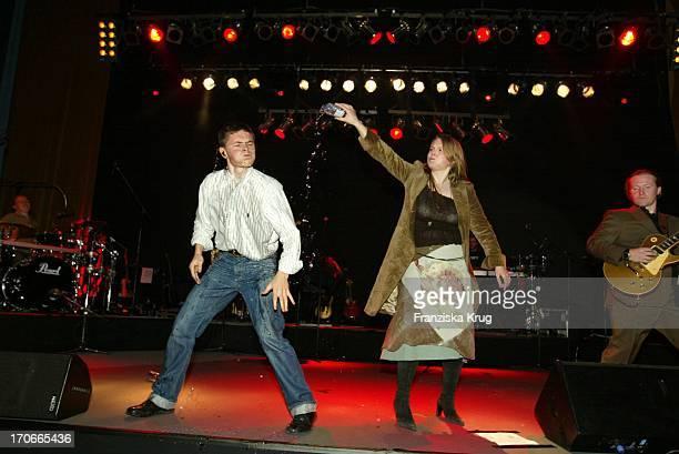 Paddy Und Maite Von Der Kelly Family Beim Gala Abend 'Dvd Night' Im Arabella Sheraton In München Am 301003
