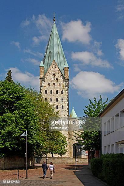 Paderborner Dom NordrheinWestfalen Deutschland Erster Patron der Stadt und des Bistums und dritter Patron des Doms ist der Heilige Liborius von Le...