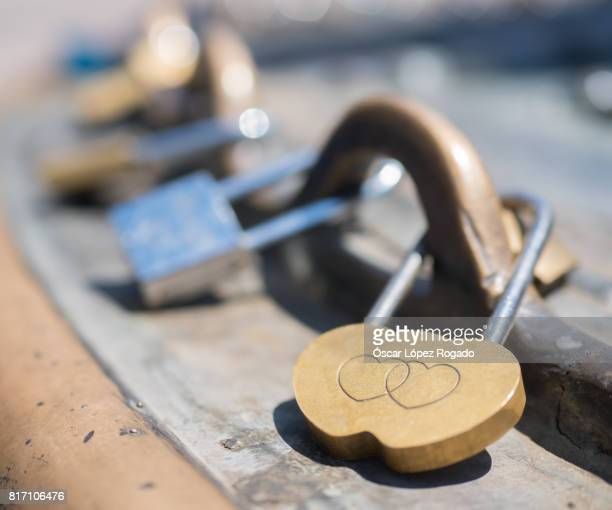 padlocks for couples - eternity stock pictures, royalty-free photos & images