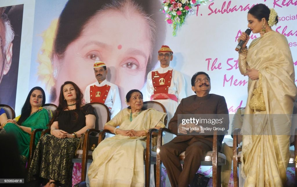 Padmini Kolhapure Poonam Dhillon Rekha C Vidyasagar Rao and Asha Bhosle at the Yash Chopra Memorial Award 2018 in Mumbai