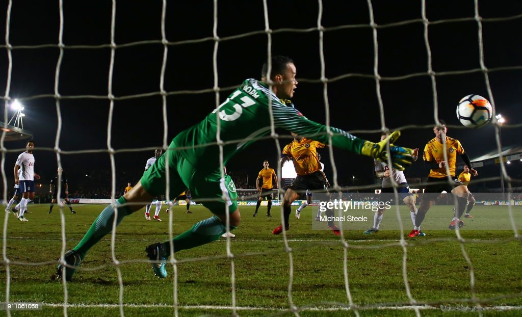 Padraig Amond of Newport County scores his sides first goal during The Emirates FA Cup Fourth Round match between Newport County and Tottenham Hotspur at Rodney Parade on January 27, 2018 in Newport, Wales.