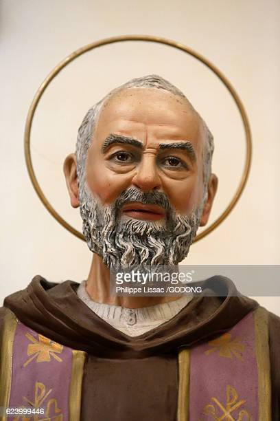 padre pio statue (detail) in an italian catholic church - padre pio stock pictures, royalty-free photos & images