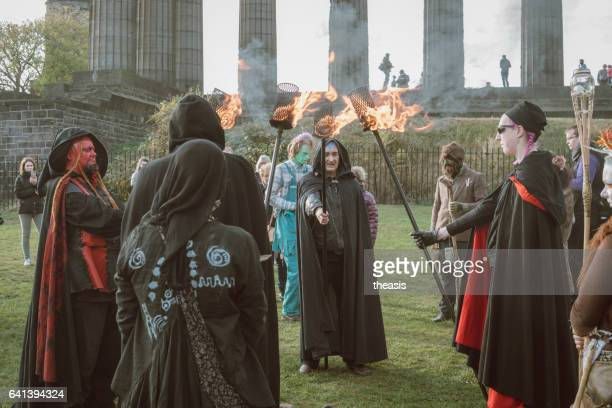 pagan fire ritual at halloween in edinburgh - theasis stock pictures, royalty-free photos & images