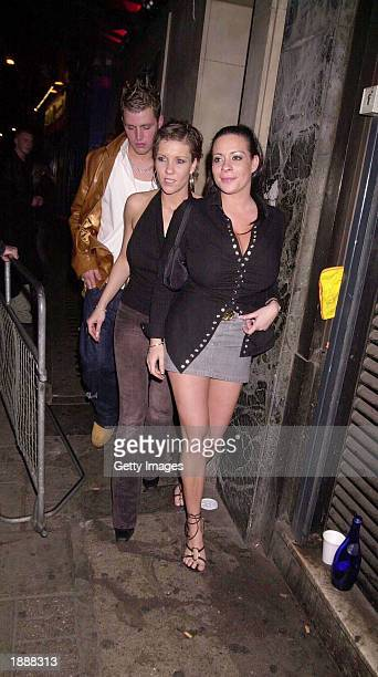 Page 3 Model Lindsey Dawn Mckenzie and unidentified friends arrive at Brown's Night Club March 30 2003 in London.