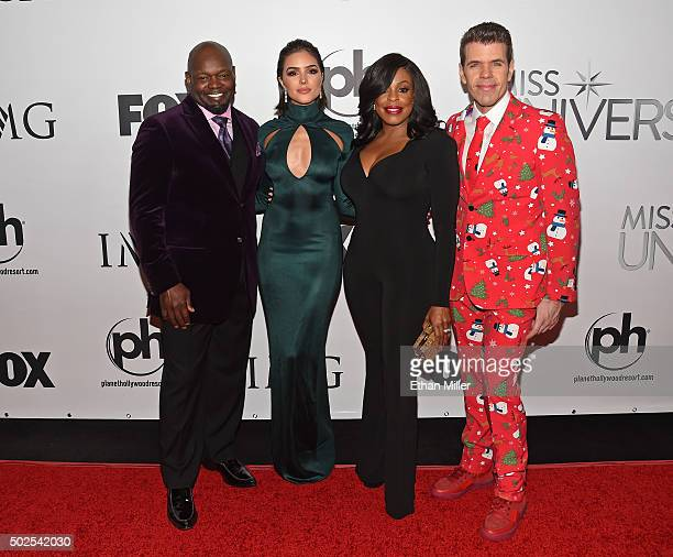Pageant judges former NFL player Emmitt Smith Miss Universe 2012 Olivia Culpo actress Niecy Nash and blogger Perez Hilton attend the 2015 Miss...