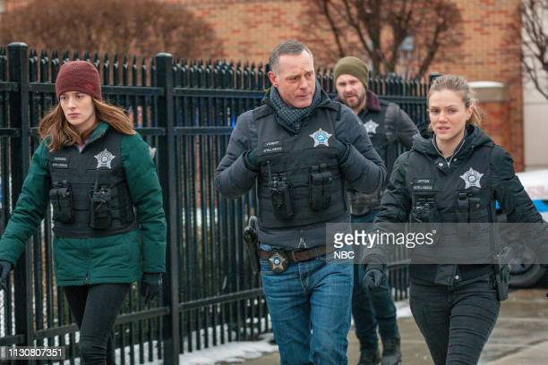 D Pain Killer Episode 617 Pictured Marina Squerciati as Kim Burgess Jason Beghe as Hank Voight Tracy Spiridakos as Hailey Upton