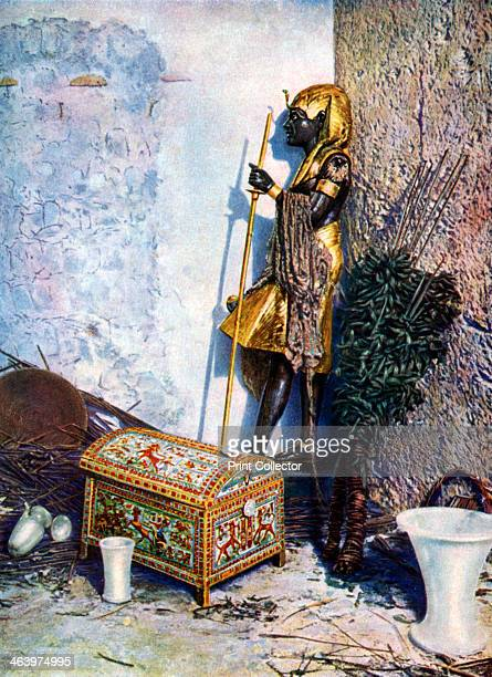 Painted clothes chest which lies at the foot of Tutankhamen's statue Egypt 19331934 The discovery of Tutankhamun's tomb in 1922 by British...