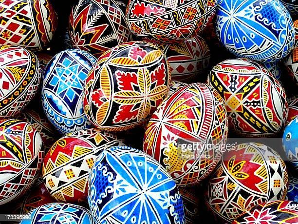 painted easter eggs, romania - frans sellies stockfoto's en -beelden