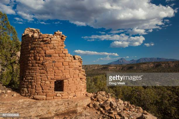 painted hand ruin and sleeping ute mountain, colorado - pueblo colorado stock pictures, royalty-free photos & images
