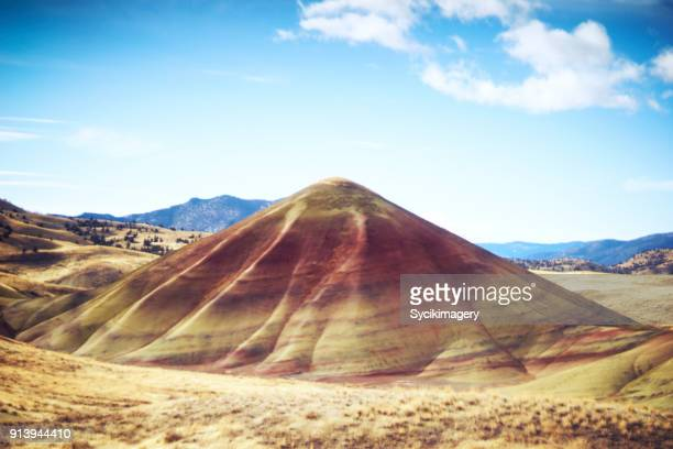 painted hill - painted hills stock pictures, royalty-free photos & images