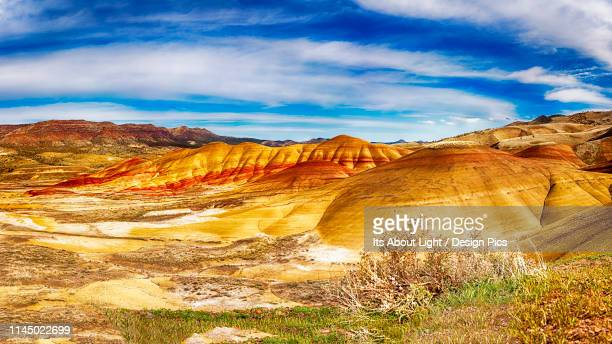 painted hills, eastern oregon - john day fossil beds national park stock pictures, royalty-free photos & images