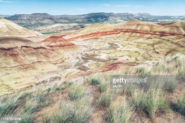 painted hills - painted hills stock pictures, royalty-free photos & images