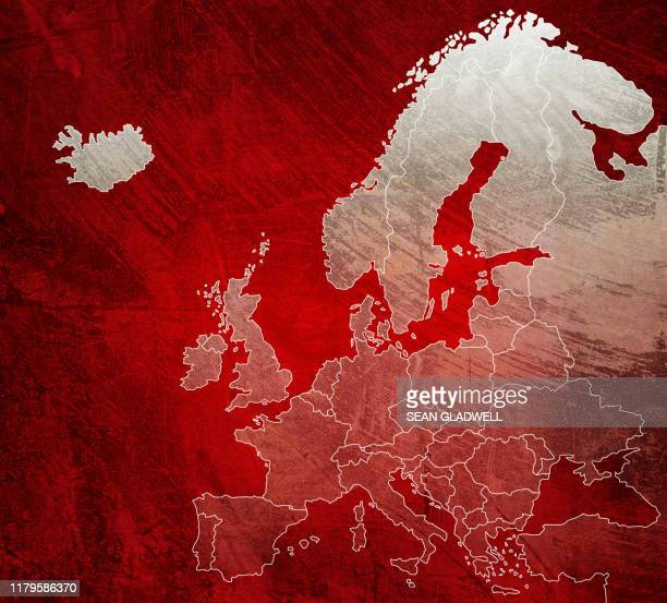 painted red map of europe - europa continente foto e immagini stock