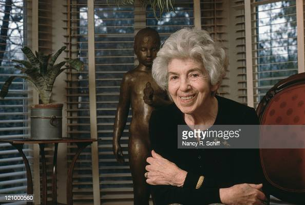 Painter and sculptor Dorothea Greenbaum with one of her works ...
