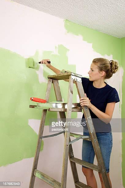 画家梯子の上の少女