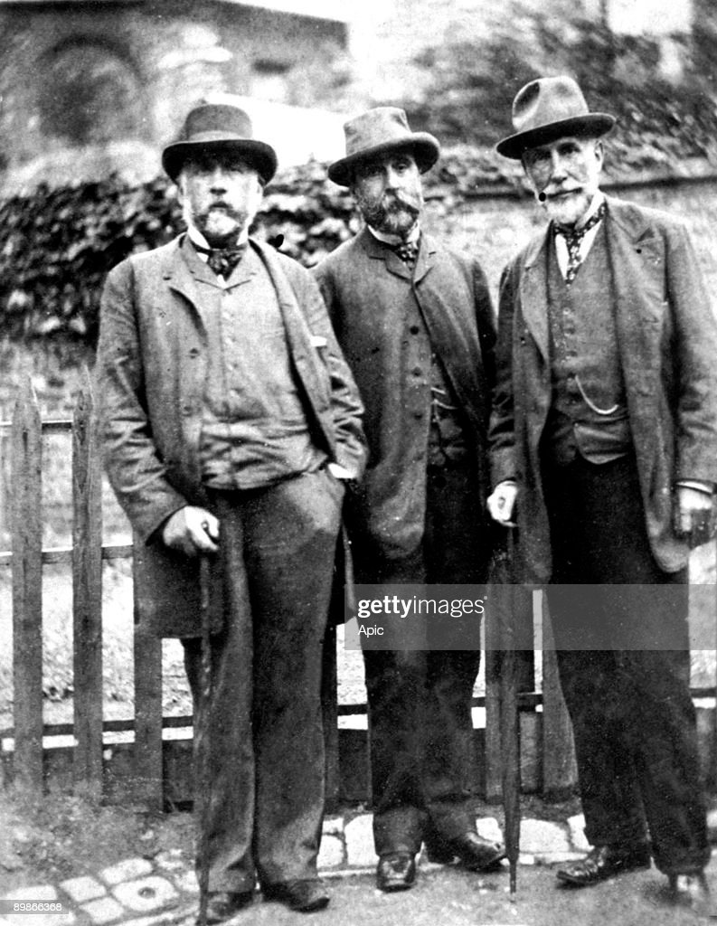 painters Edgar Degas, Tascherot and D.E Blanche 19th century : News Photo