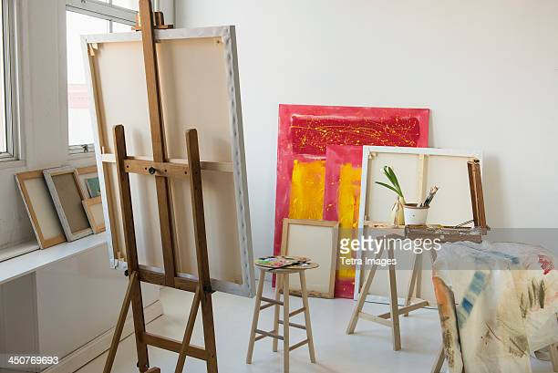 painter's studio - easel stock pictures, royalty-free photos & images