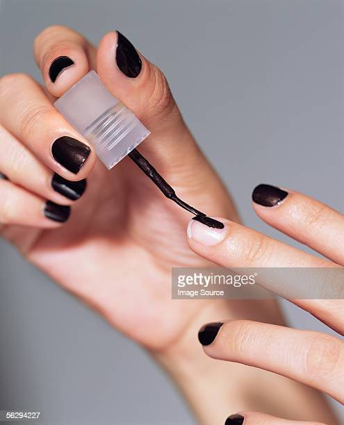 Painting fingernails