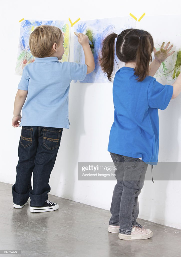 Painting preschoolers : Stock Photo