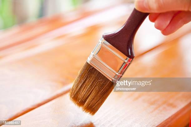 Peinture en bois