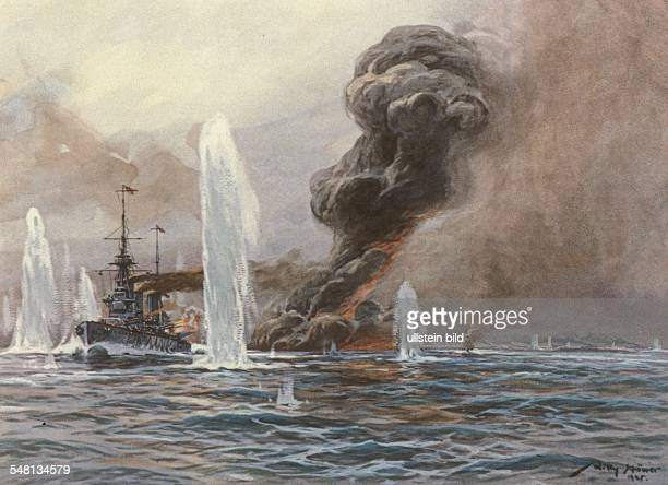 Paintings of World War I Battle of Jutland Explosion of the English battlecruiser 'Queen Mary' painting by Willy Stwer 1916 Photographer ullstein...