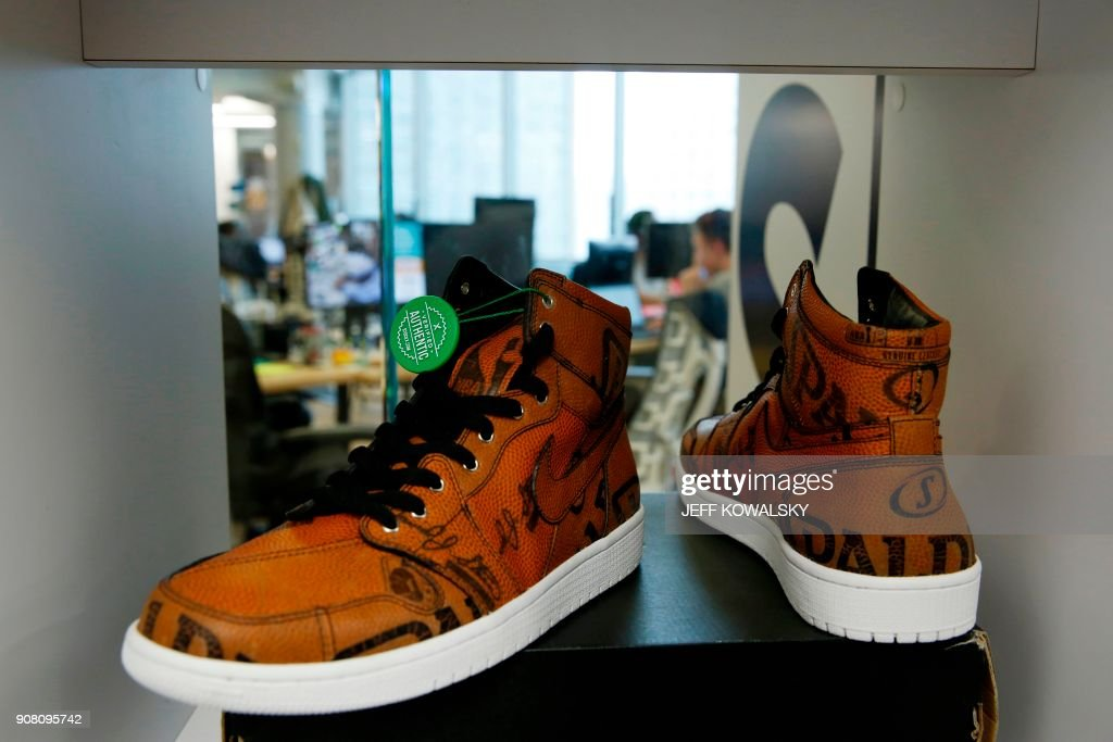 d0b3c644 A pair of Air Jordan 1 Retro High shoes that have been authenticated ...