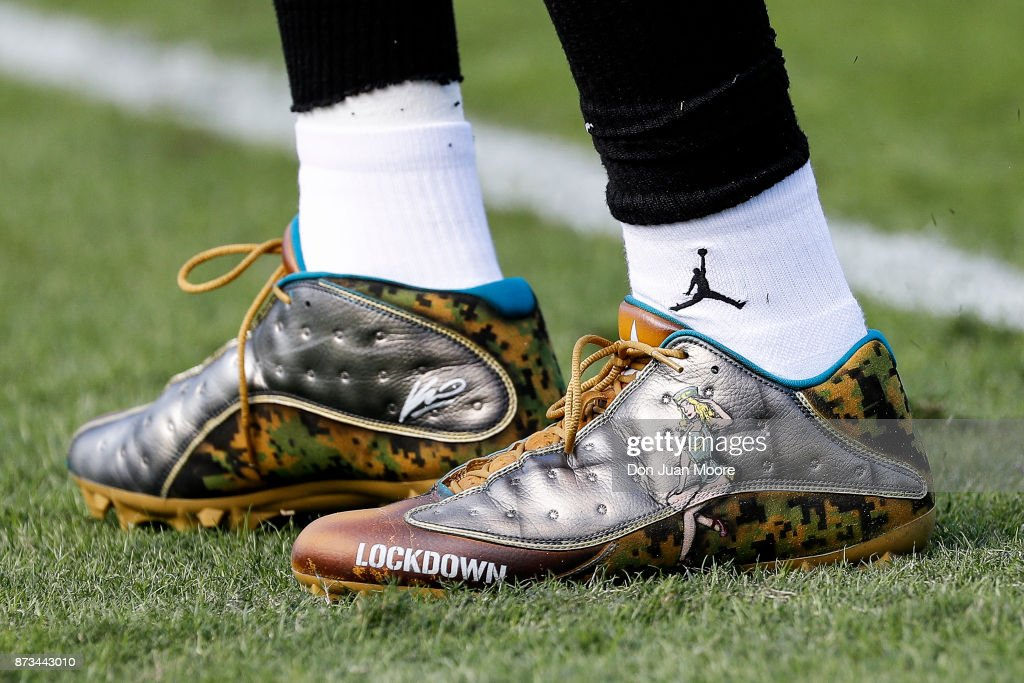 4e8fa10135e0 A pair of NIKE Football Cleats design for Salute to Service Military ...