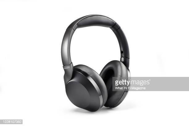 Pair of Philips PH805 wireless headphones, taken on January 30, 2020.