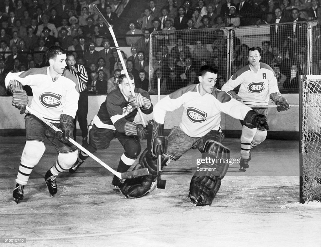 View of Detroit-Montreal Stanley Cup Hockey Playoffs : News Photo