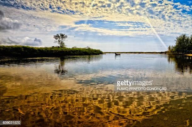 paisagem rio e mar - água stock pictures, royalty-free photos & images