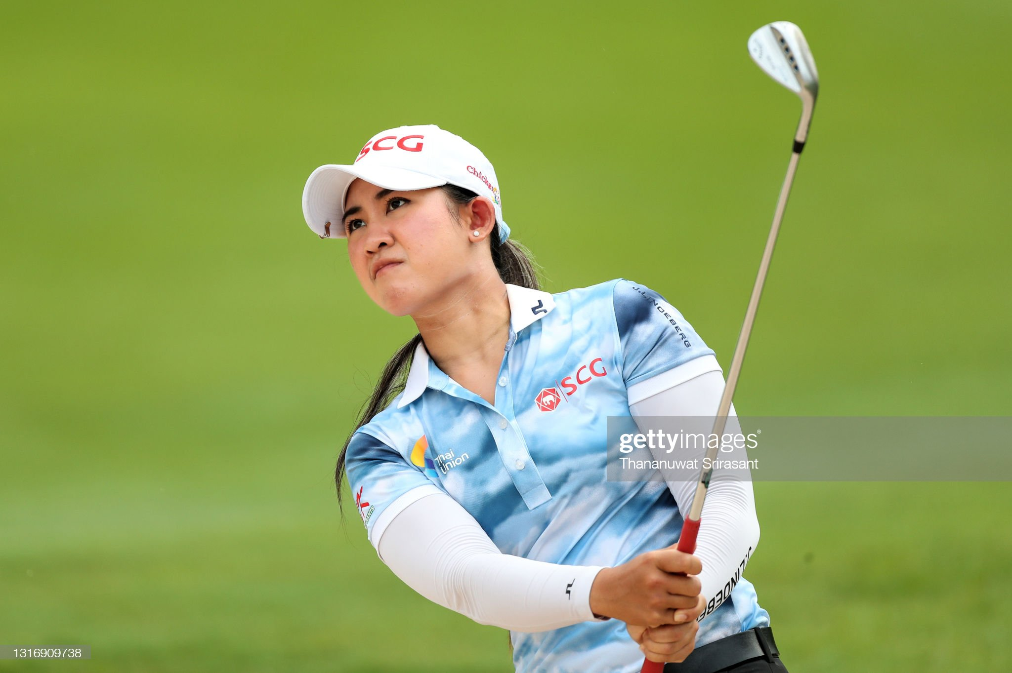 https://media.gettyimages.com/photos/pajaree-anannarukarn-of-thailand-plays-her-shot-during-the-third-of-picture-id1316909738?s=2048x2048